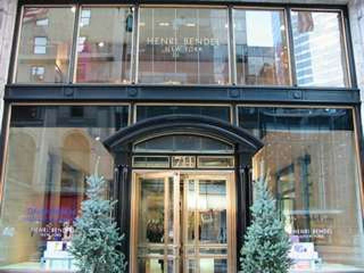 Henri Bendel will emulate its signature entrance on its flagship Fifth Avenue store in Manhattan when it opens at Houston's Galleria II in June.