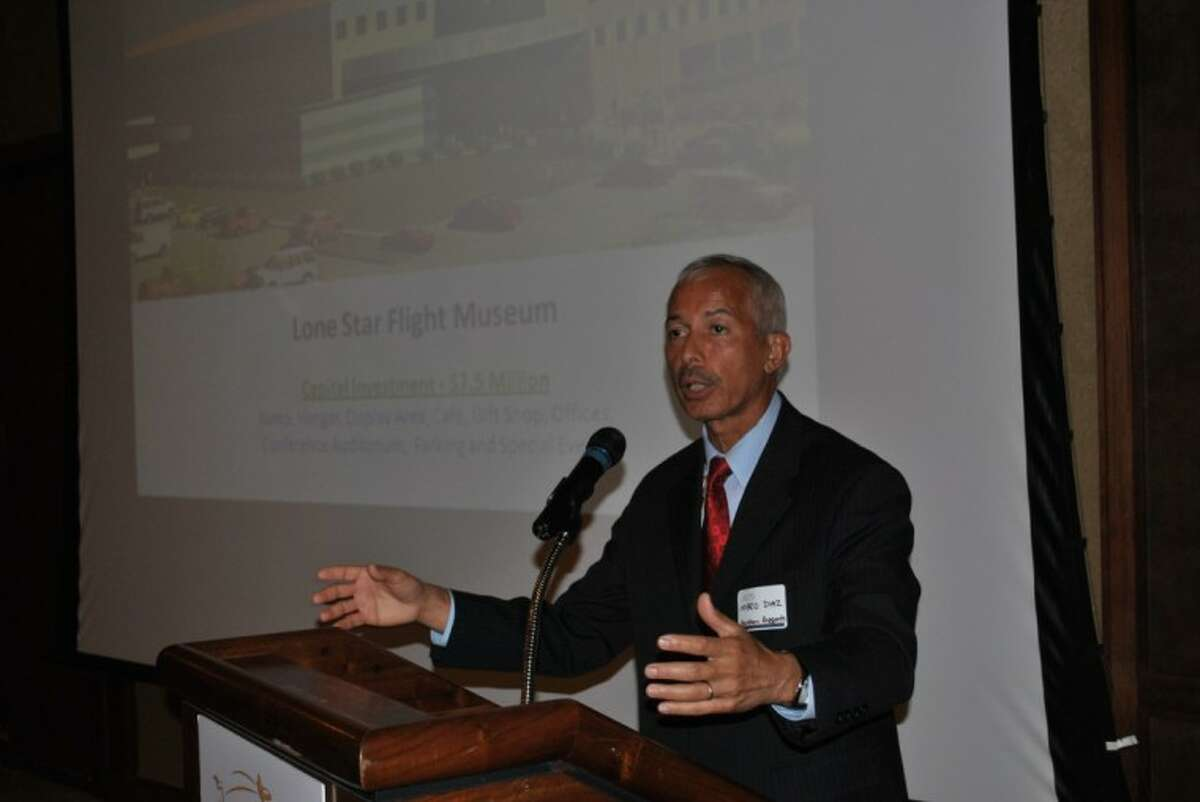 Mario Diaz, director of the Houston Airport System, addressed the BAHEP membership at Lakewood Yacht Club on Wednesday, May 16.