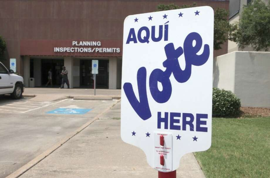 Election day at the Missouri City Hall on Tuesday, May 29, 2012. (Photo by Alan Warren) Photo: Photo By Alan Warren