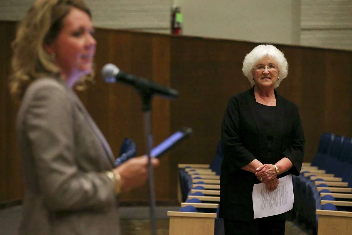 Alamo Heights Independent School District Assistant Superintendent Dana Bashara, left, introduces national cyberbully expert Barbara Coloroso at Alamo Heights High School, Wednesday, Sept. 28, 2016. Bashara was recently chosen as Alamo Heights ISD's lone superintendent finalist.