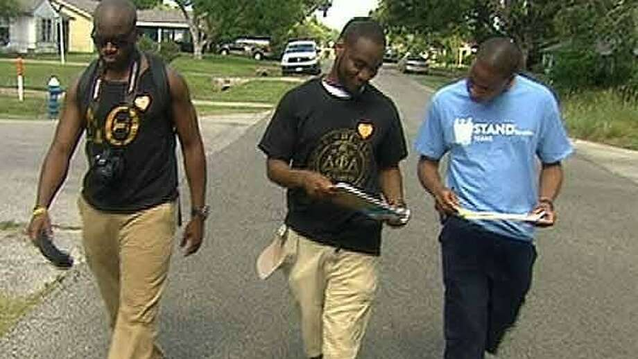Members of Stand for Children took to the streets Saturday in support of an HISD bond election. Photo: ABC-13