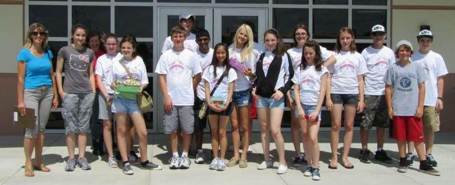 Student volunteers spend summer helping local nonprofit organizations