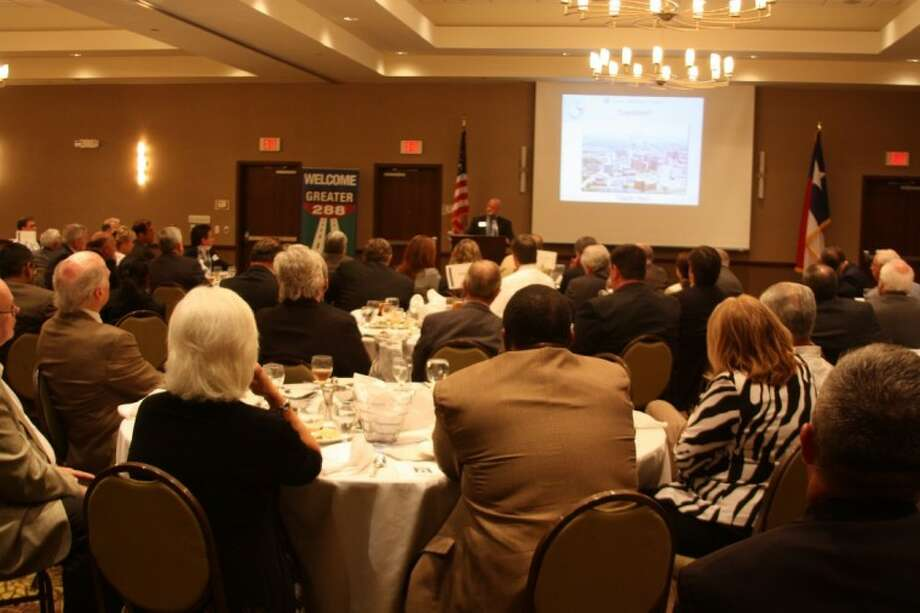 TMC President and CEO Dr. Richard Wainerdi served as guest speaker and addressed a crowd of roughly 200 local business and community leaders Thursday (May 30) at the Pearland Hilton Garden Inn. Greater 288 Partnership Chairman Kevin Cole delivered opening remarks.