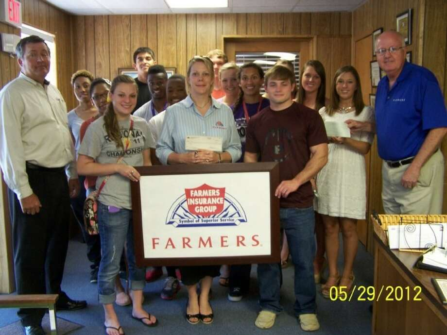 Farmers Insurance Agents presented checks to Dawson and Pearland High School seniors recently. Shown at the event are: first row Craig Slater (Agent), Salome McAllen, Sally Mercer (Agent), Chase Miller and Lee Raney (Agent). 2nd row: Nneoma Ajjwe, Andrew Galloway, Marissa LeJune and Samantha Thomas. 3rd row: Bria Tunson, Matthew Bogues, Allyssa McGuire and Michelle Lack. 4th row: Jesse Ramirez, Trey Wright and Brooke Giesbers. Photo: SUBMITTED PHOTO