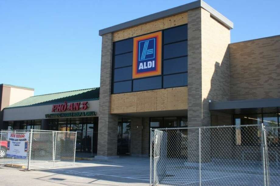 The new Aldi grocery store in Atascocita is currently hiring cashiers.