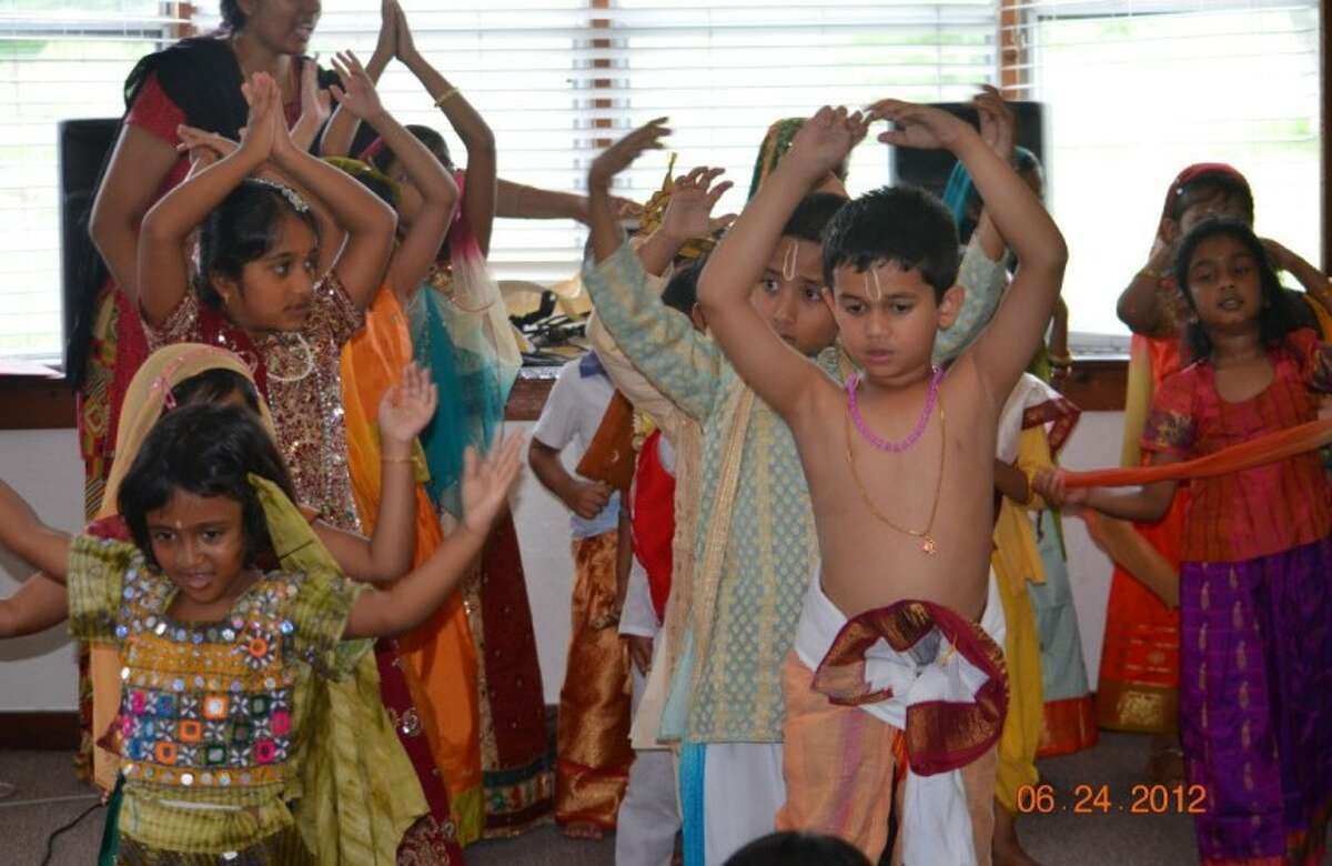 A two-day cultural summer camp for little kids was conducted at Houston Namadwaar on June 23-24.