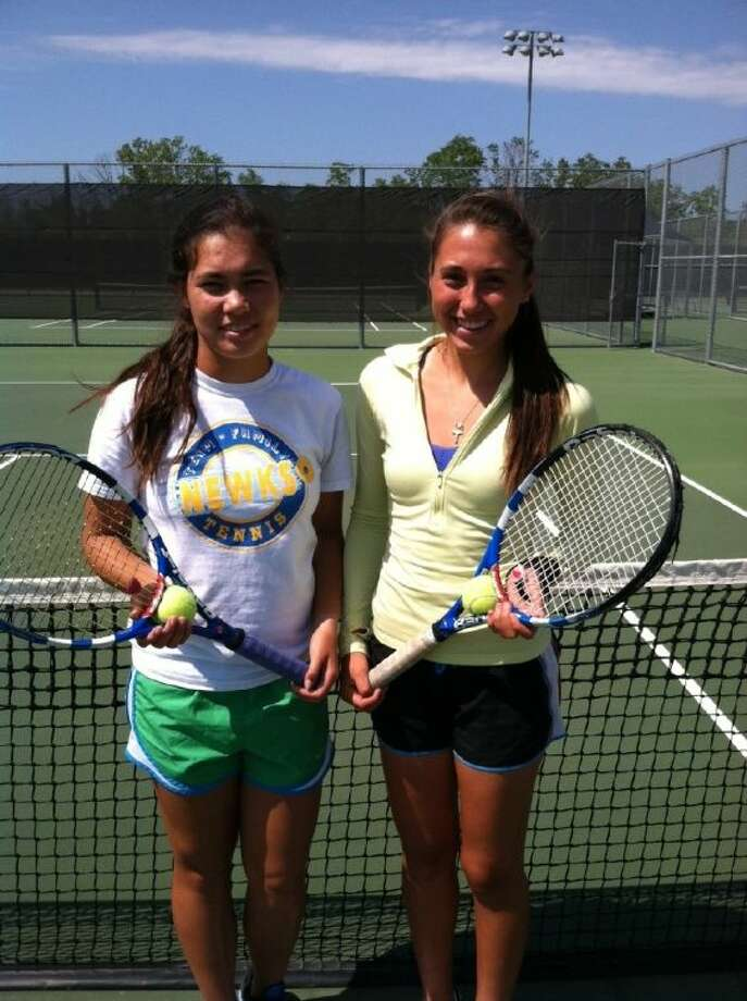 Tomball Memorial sophomores Michelle Walker (left) and Teresa Sanchez have advanced to the State 4A Girls Doubles Quarterfinals. Photo: David Fanucchi