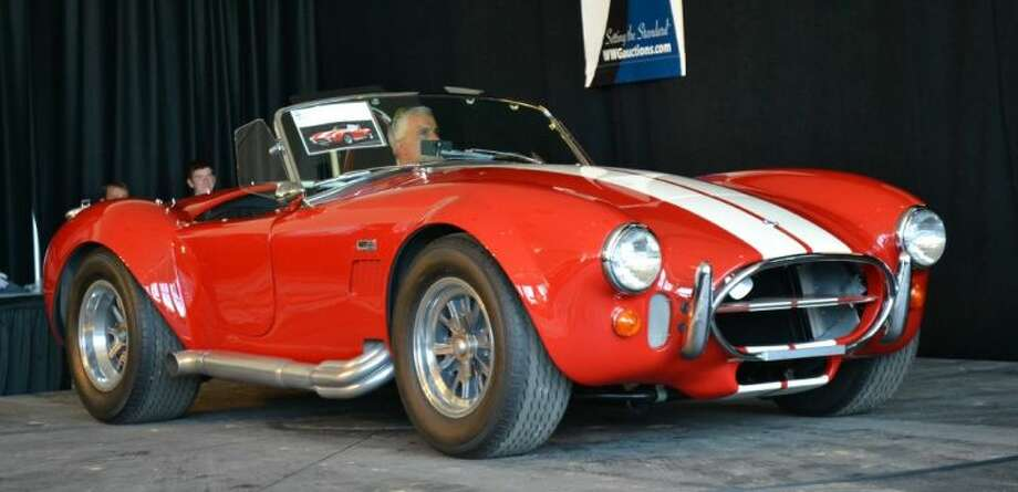 Classic car auction raises funds for holy angels houston for Dean motor cars houston tx