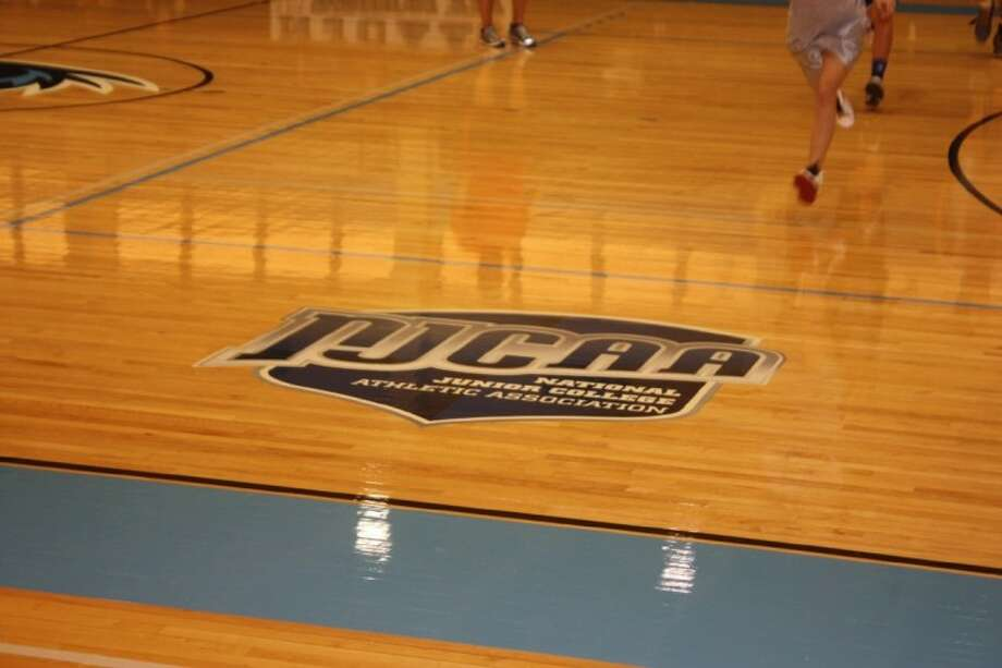 Ravens Make Changes To The Basketball Court At Anders Gym Houston