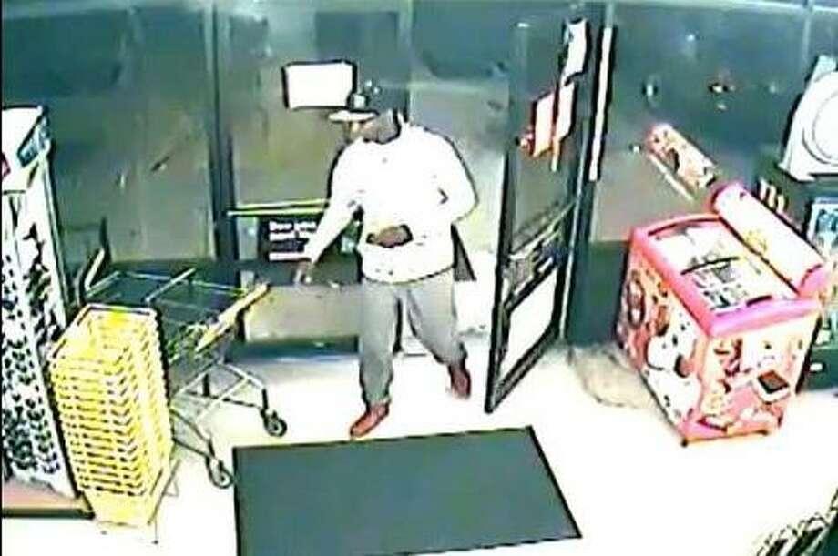 """Bleached"" surveillance equipment captures robbery suspect despite attempted sabotage"