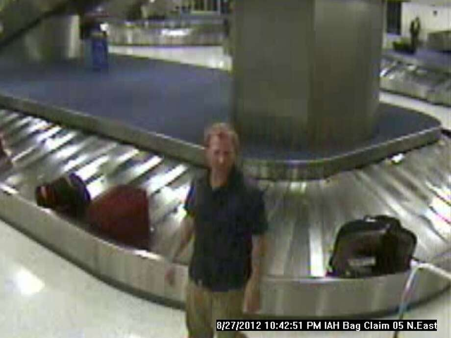 Suspect steals valuable equipment from IAH baggage claim