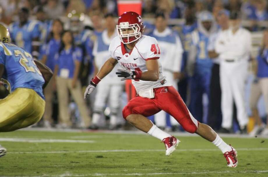 Former Pearland and University of Houston football standout Nick Saenz, shown here against UCLA, is trying to land a spot on the Tampa Bay Buccaneers as a free safety. Photo: UH Sports Information