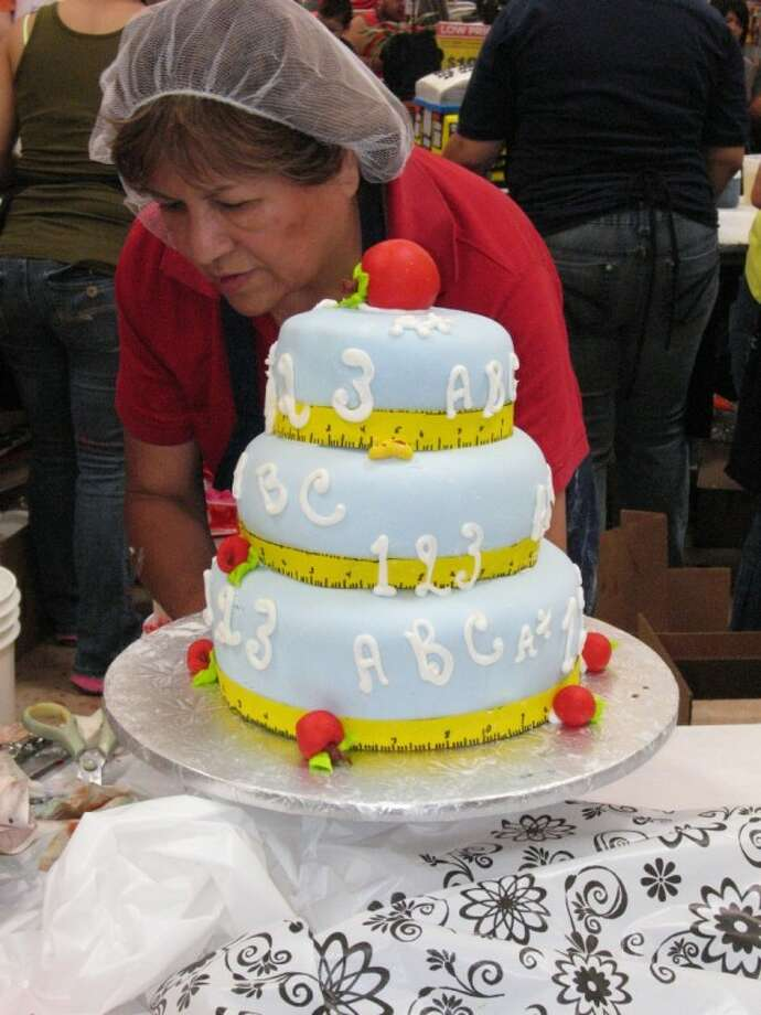 H-E-B Plus! will hold its Annual Cake-Off on Sunday, Sept. 16 from 12:00-3:30 at its Pearland store. Photo: SUBMITTED PHOTO