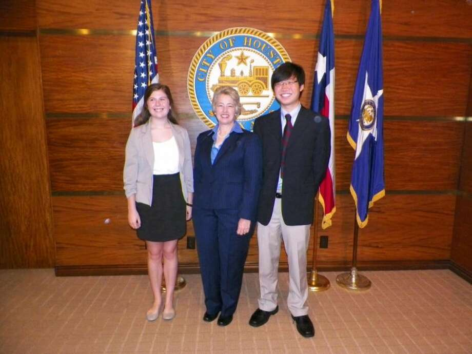 Mayor Annise Parker with Memorial High School students Justin Lee and Sarah Kate Thomas. Photo: Submitted
