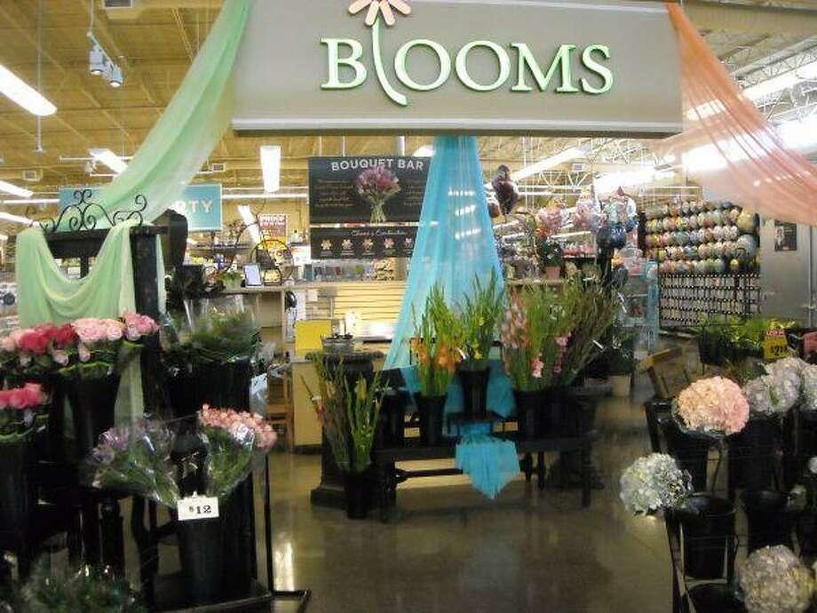 Floral center in H-E-B Sienna Market in Missouri City