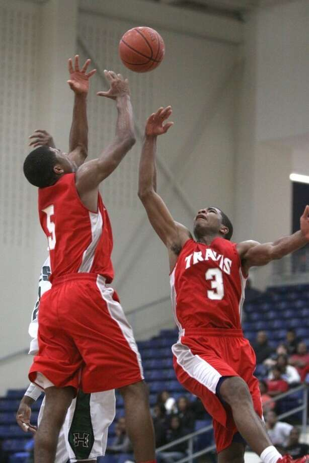 Andrew (5) and Aaron Harrison are two of the nation's top high school basketball recruits. Photo: Alan Warren/HCN