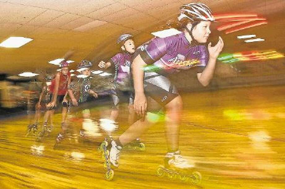 Macy Wulffen, 13, leads the way at the Texas Speed Club practice. Photo: AMANDA J. CAIN / @WireImgId=2637196