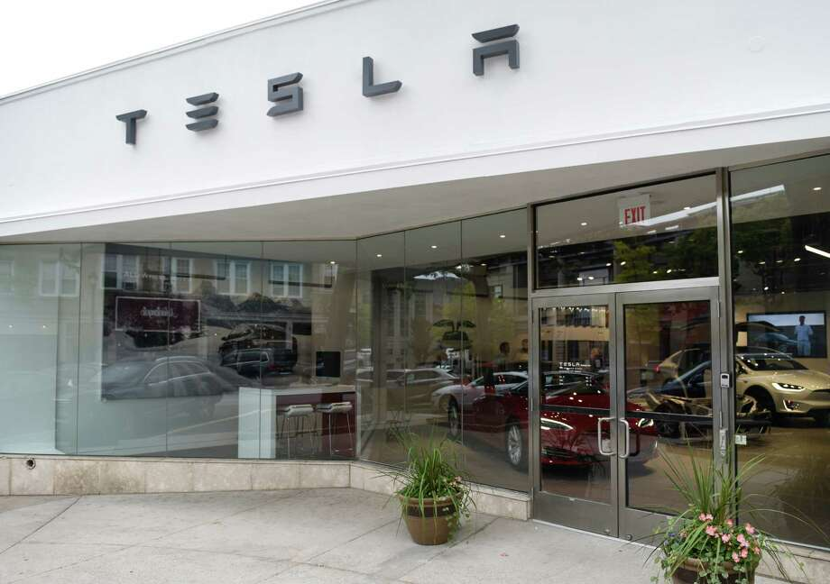Despite claims to the contrary, a superior court judge has agreed with the state Department of Motor Vehicles that Tesla is illegally selling its cars out of its Greenwich, Conn. gallery at 340 Greenwich Ave. Photo: Tyler Sizemore / Hearst Connecticut Media / Greenwich Time