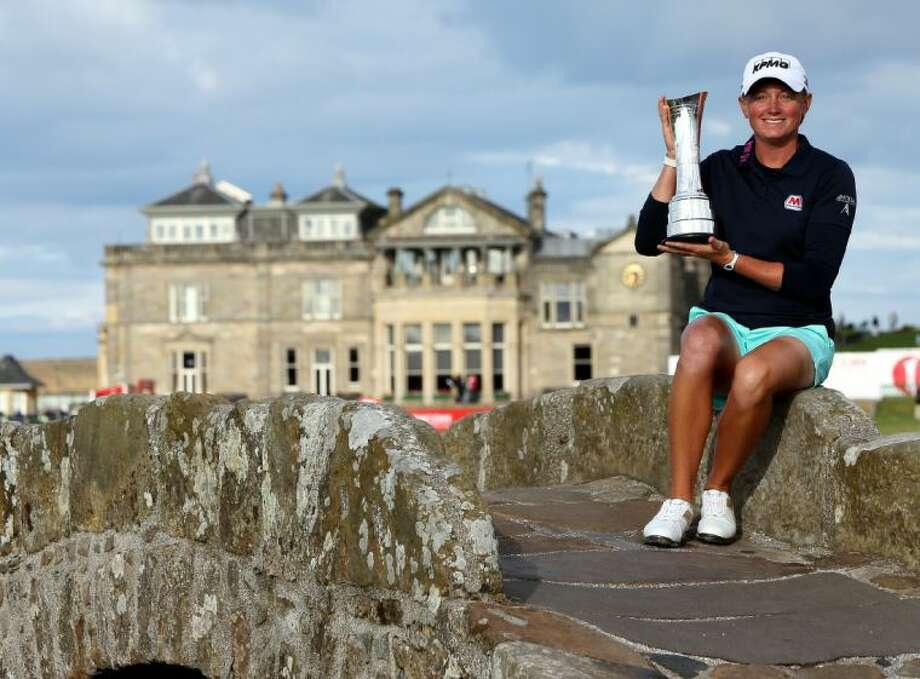 Stacy Lewis of The Woodlands won the Women's British Open in dramatic fashion with a birdie on the final two holes.