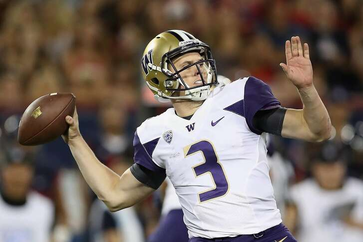 TUCSON, AZ - SEPTEMBER 24:  Quarterback Jake Browning #3 of the Washington Huskies throws a pass during the college football game against the Arizona Wildcats at Arizona Stadium on September 24, 2016 in Tucson, Arizona. The Huskies defeated the Wildcats 35-28 in overtime.  (Photo by Christian Petersen/Getty Images)