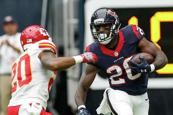 Houston Texans running back Lamar Miller (26) runs outside past Kansas City Chiefs cornerback Steven Nelson (20) during the second quarter of an NFL football game at NRG Stadium on Sunday, Sept. 18, 2016, in Houston. ( Brett Coomer / Houston Chronicle )