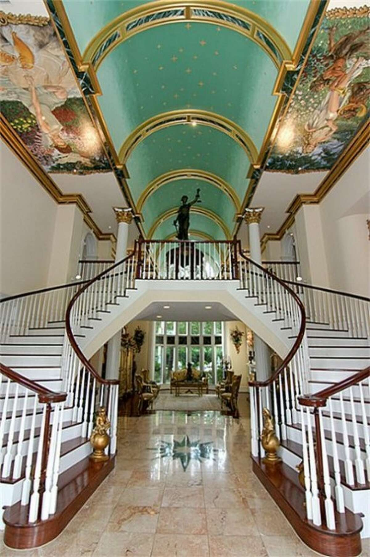 Guests are greeted by a grand foyer at The Blair House in Grogan's Point.