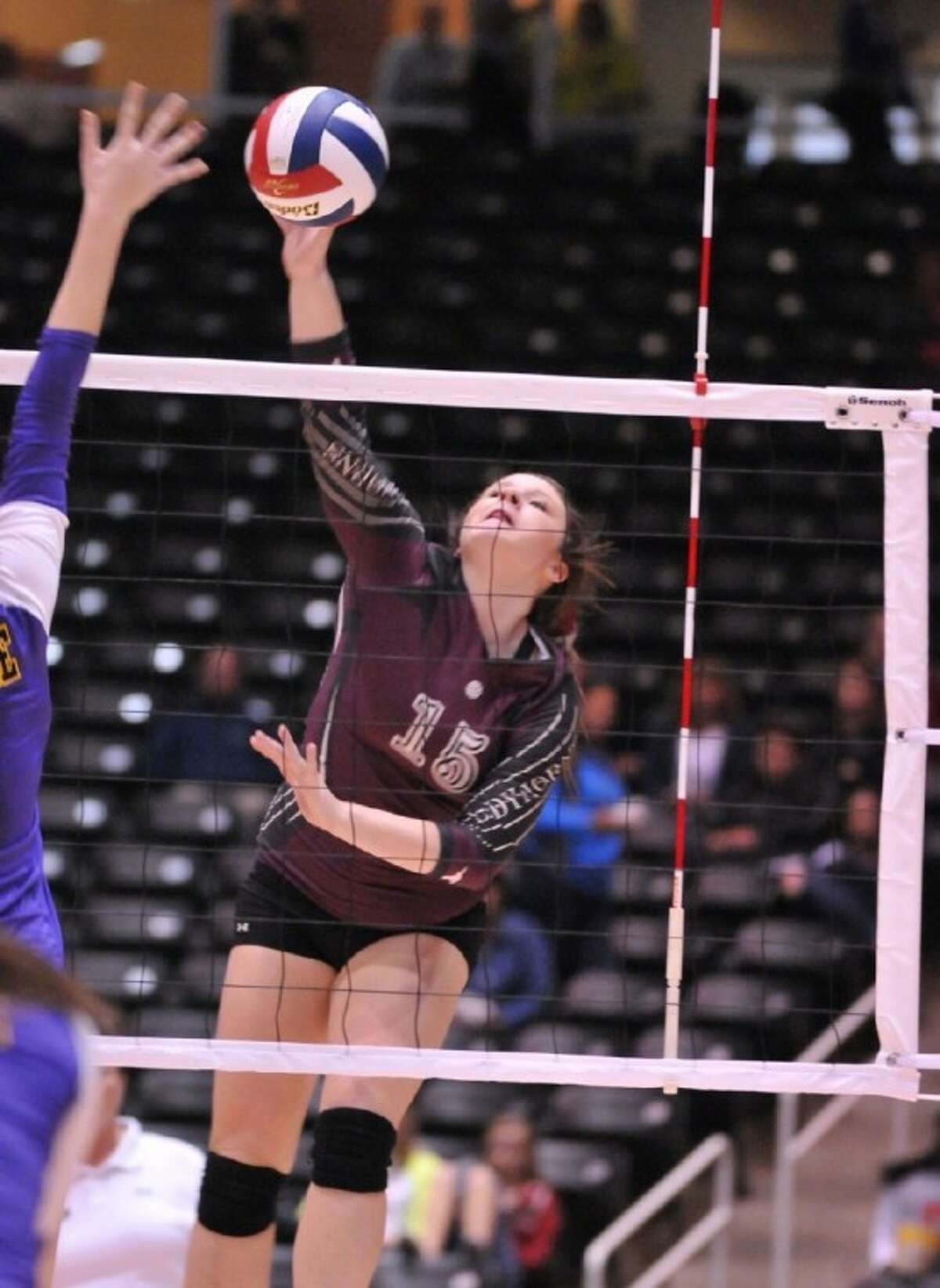 Kim Rasberry (15) finds an opening against the La Grange defense.