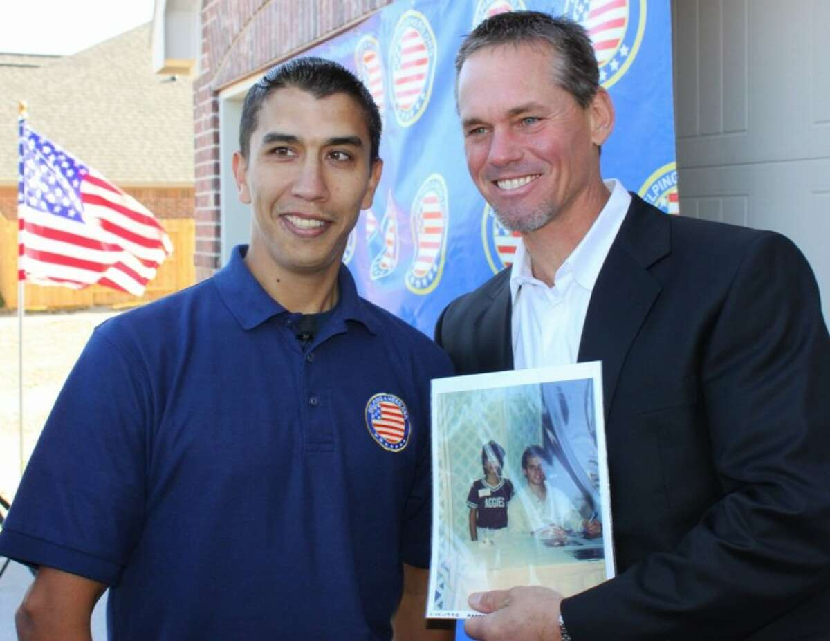 Marine Sgt. Marty Gonzalez and former Houston Astro Craig Biggio share a blast from the past.