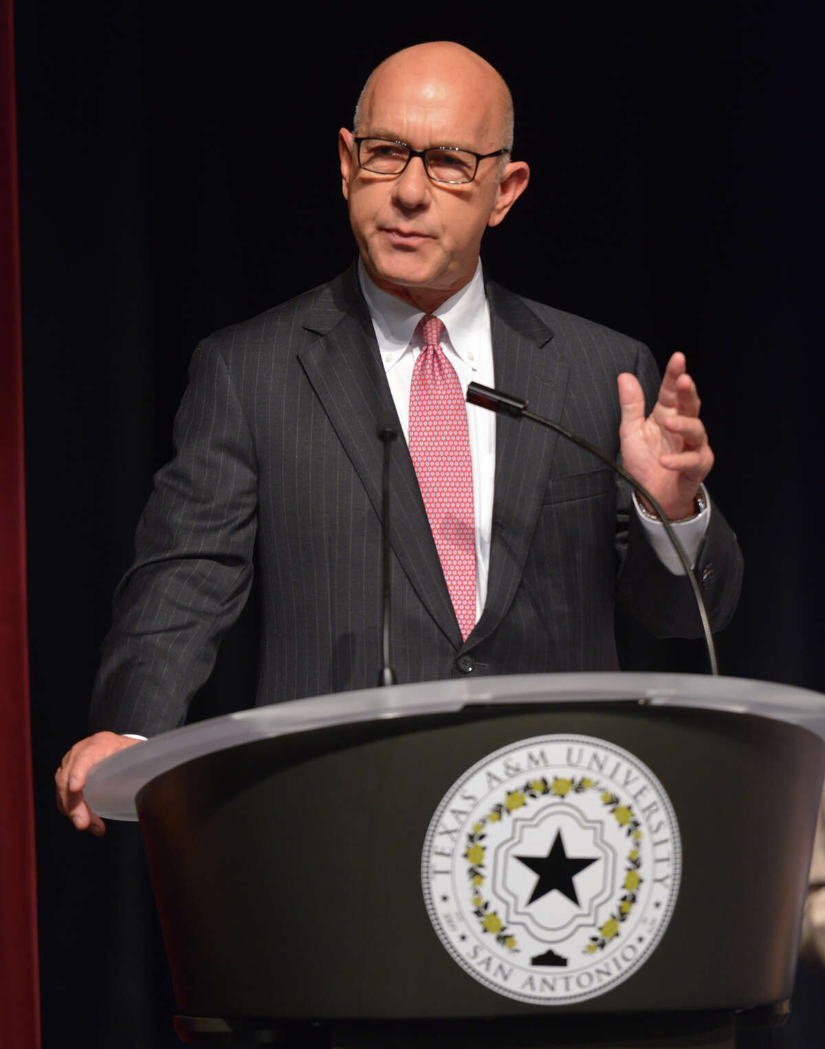 State Senator John Whitmire speaks during the debut ceremonies for the new Central Academc Building at Texas A&M San Antonio Wednesday morning.
