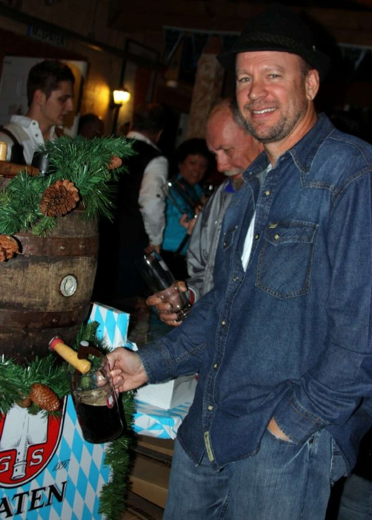 Customers were treated to beer samples at an award ceremony held for King's Biergarten and Restaurant.