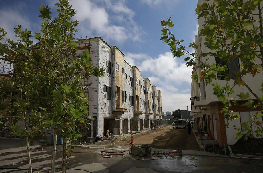 The Station House townhome development is being built on a former vacant lot in West Oakland. Photo: Michael Macor, The Chronicle