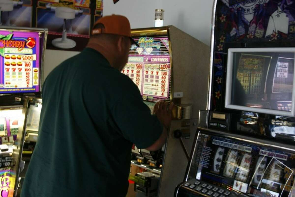 What first started out as a hobby and a passion for Earl Hudson has now turned into a full-time job. Earl and his wife, Beth Hudson, recently opened Atascocita' Just for Fun slots on Atascocita Road as a one-stop resources for customers in the market for personalized and customized slot machines.