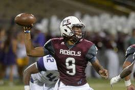 Lee quarterback Sema'J Davis releases against Midland High on Friday, Sept. 23, 2016, at Grande Communications Stadium. James Durbin/Reporter-Tele¬gram