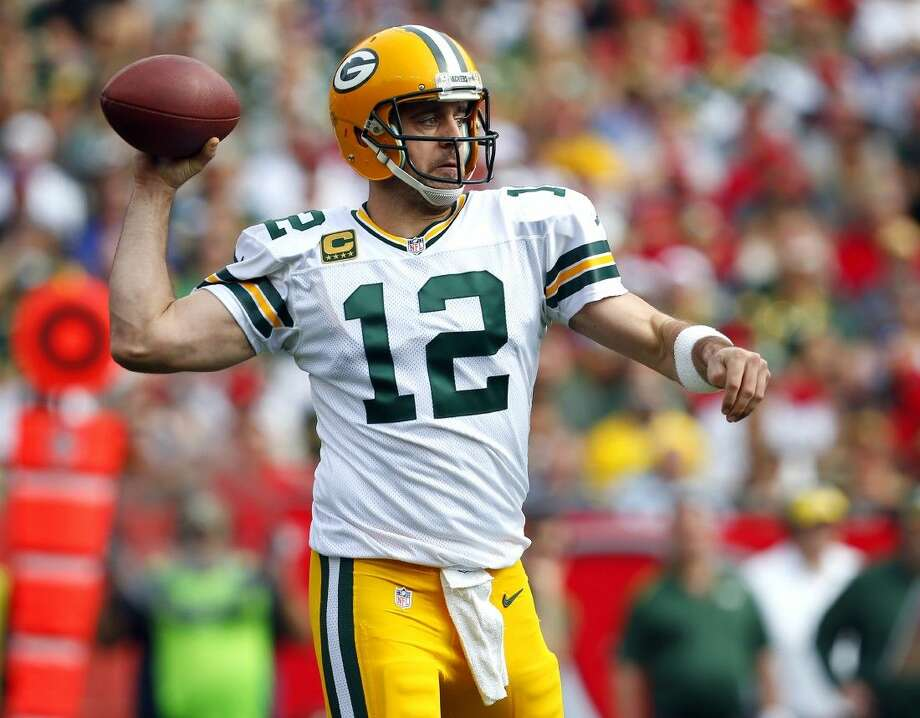 Green Bay Packers quarterback Aaron Rodgers is expected to start against the Cowboys this weekend. Photo: Jeff Haynes