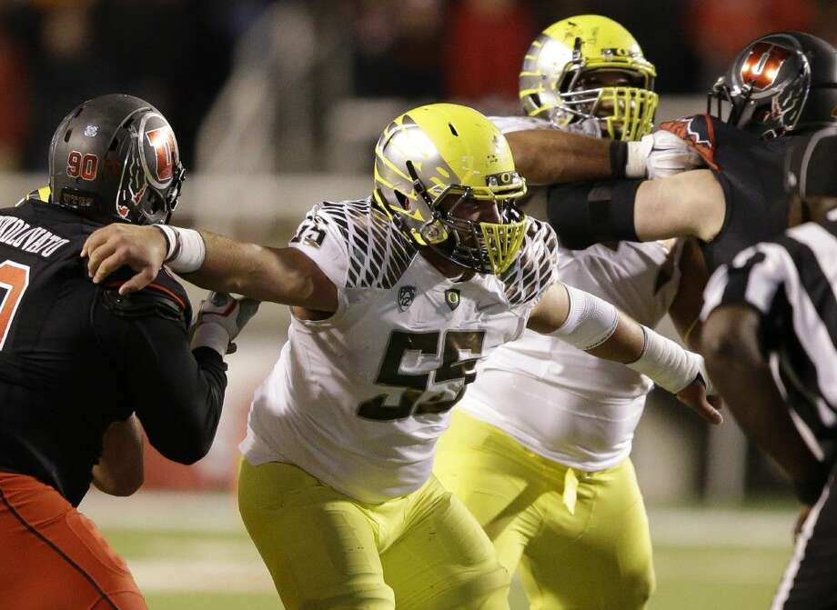 Oregon's Hroniss Grasu (55) and the rest of the Ducks' offensive line could play a key role in the national championship game. Photo: Rick Bowmer