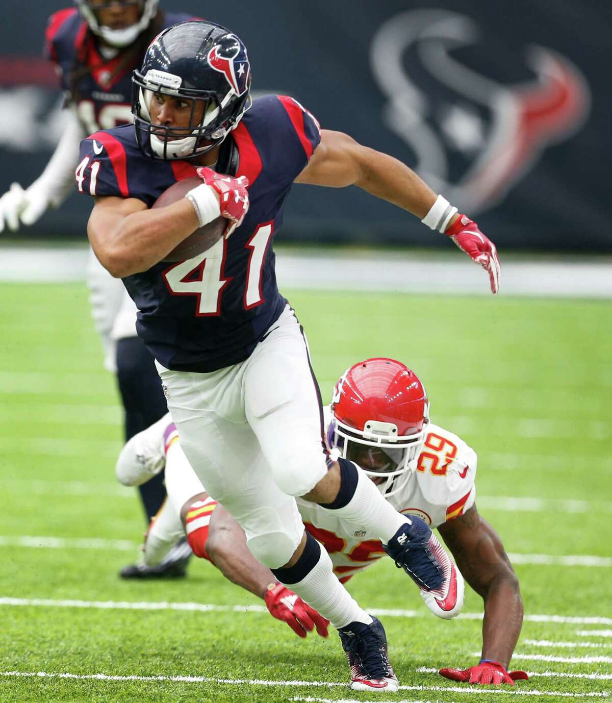 Backup running back Jonathan Grimes won't be contributing to the Texans' offense for about a month after suffering a cracked fibula in the Patriots game.