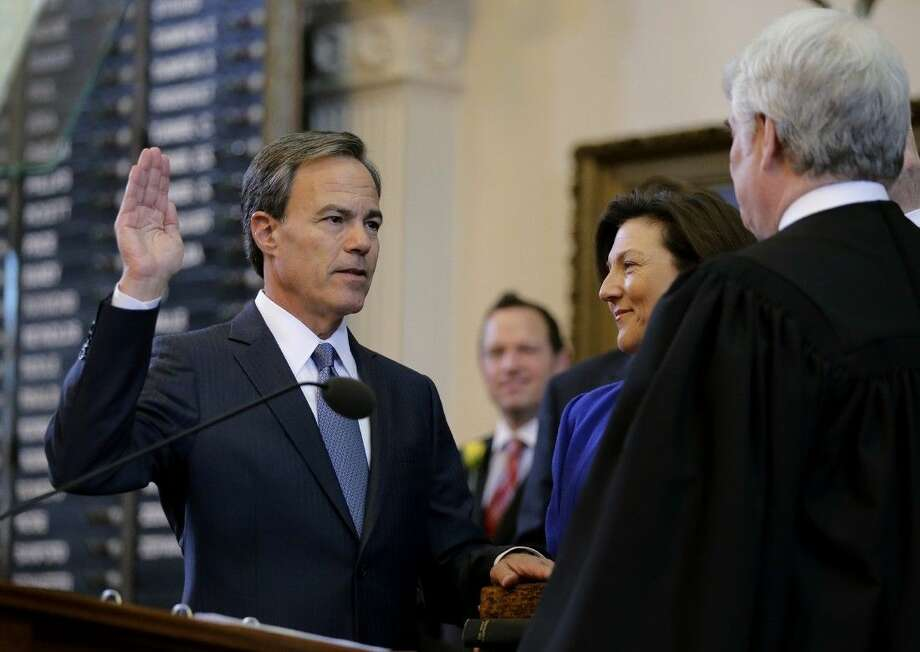 Texas state Rep. Joe Straus, R-San Antonio, is sworn in as Speaker of the House on Tuesday in Austin. Photo: Eric Gay