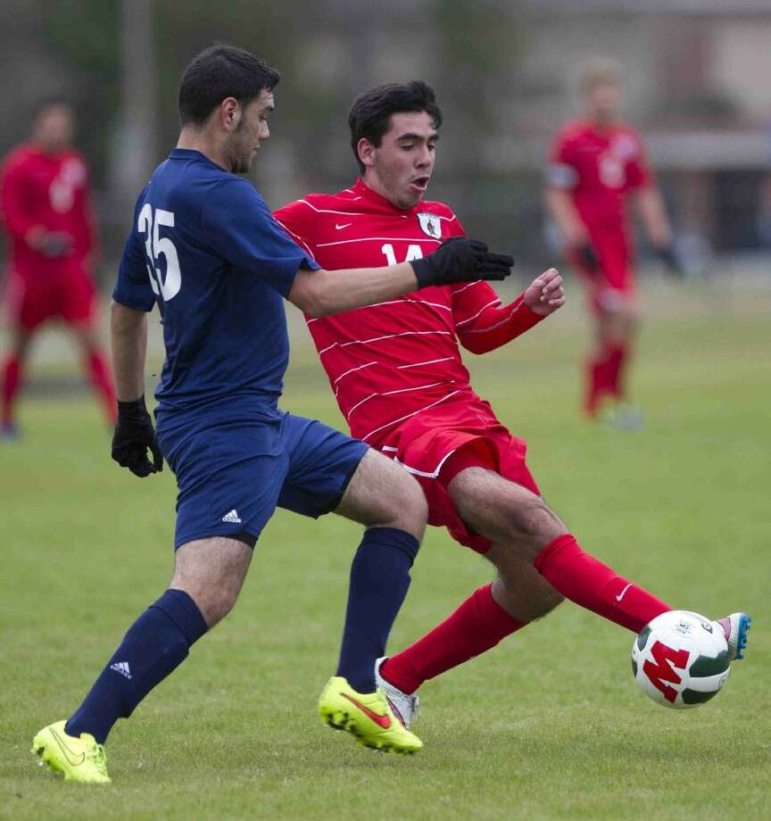 The Woodlands' Rafael Ortiz dribbles the ball during the Kilt Cup last season. Photo: Jason Fochtman