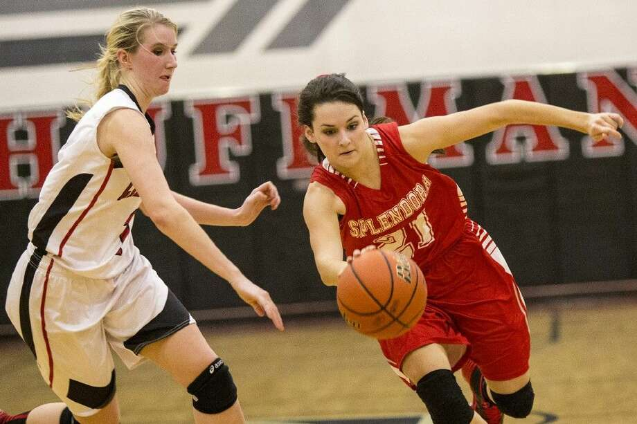 Splendora's Frankie York, right, is one of four seniors for the Ladycats this season. Photo: ANDREW BUCKLEY