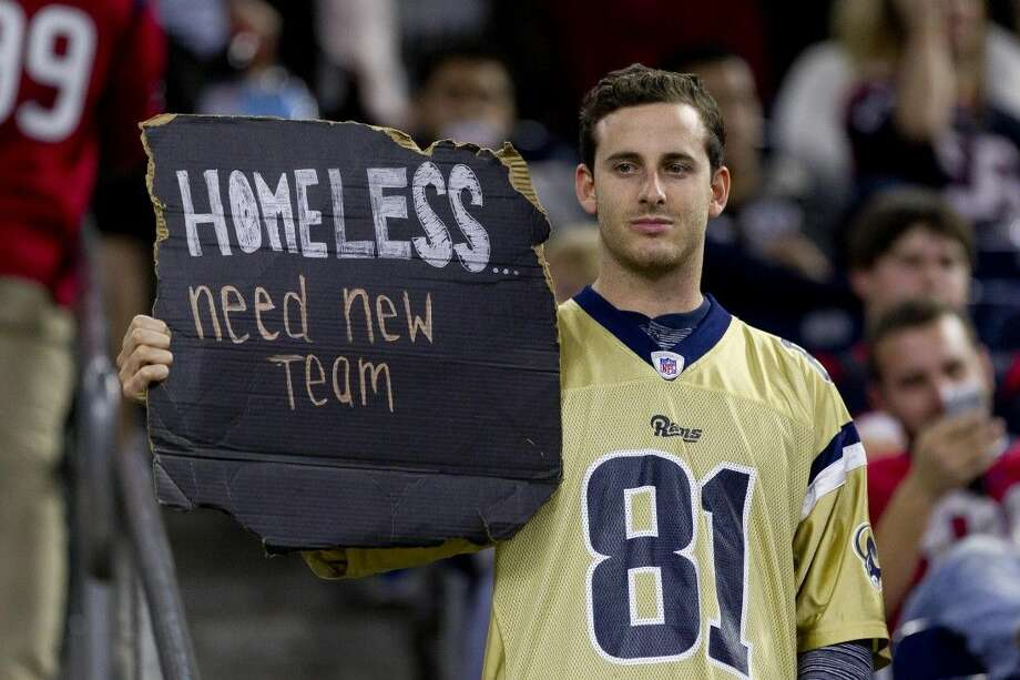 The St. Louis Rams can move to Los Angeles as soon as next season. Photo: Jason Fochtman