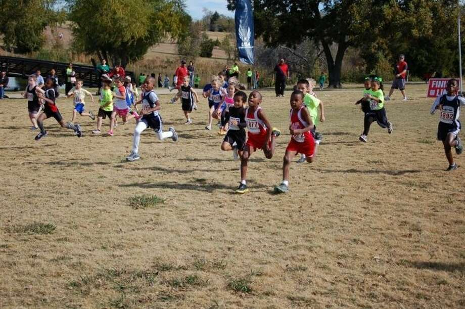 The Northwest Flyers Track Club Youth Cross-Country Team kicks off the fall season with registration and an orientation for parents and athletes onTuesday, Sept. 10, 2013, at 6 p.m. (location to be announced).