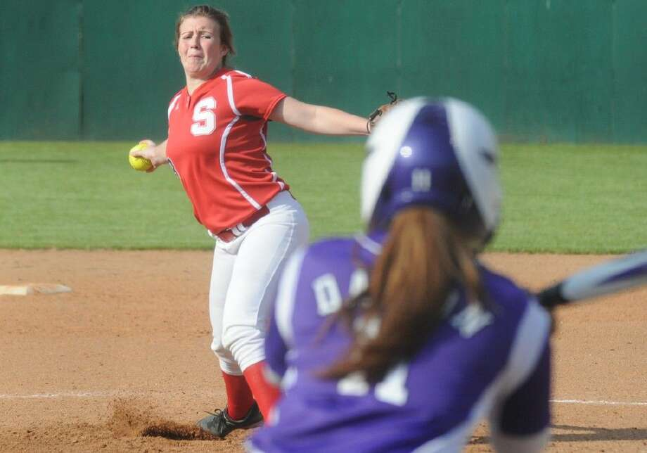 Splendora's Brianna Muirhead delivers a pitch against Dayton at the Willis Tournament on Thursday. Photo: Keith MacPherson