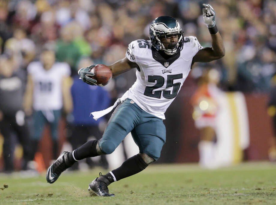 FILE - In this Dec. 20, 2014, file photo, Philadelphia Eagles running back LeSean McCoy carries the ball during an NFL football game against the Washington Redskins in Landover, Md. A person familiar with the deal says the Eagles have agreed to trade star running back McCoy for Buffalo Bills linebacker Kiko Alonso. The person spoke under condition of anonymity Tuesday night, March 3, 2015, because the teams had not announced the deal. (AP Photo/Patrick Semansky, File) Photo: Patrick Semansky