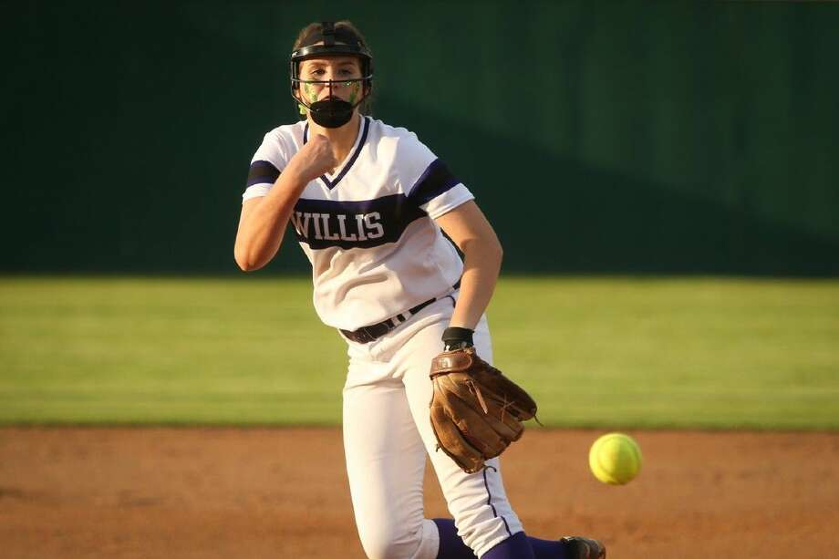 Willis' Casey Dixon throws a pitch during the high school softball game against Bryan on Tuesday at Willis High School. Photo: Michael Minasi