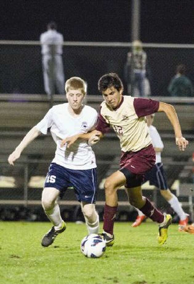 Magnolia West junior midfielder Jesus Estrada (12) has helped open up the Mustangs' attack with his play on the wing. Photo: Staff Photo By Ana Ramirez / The Conroe Courier