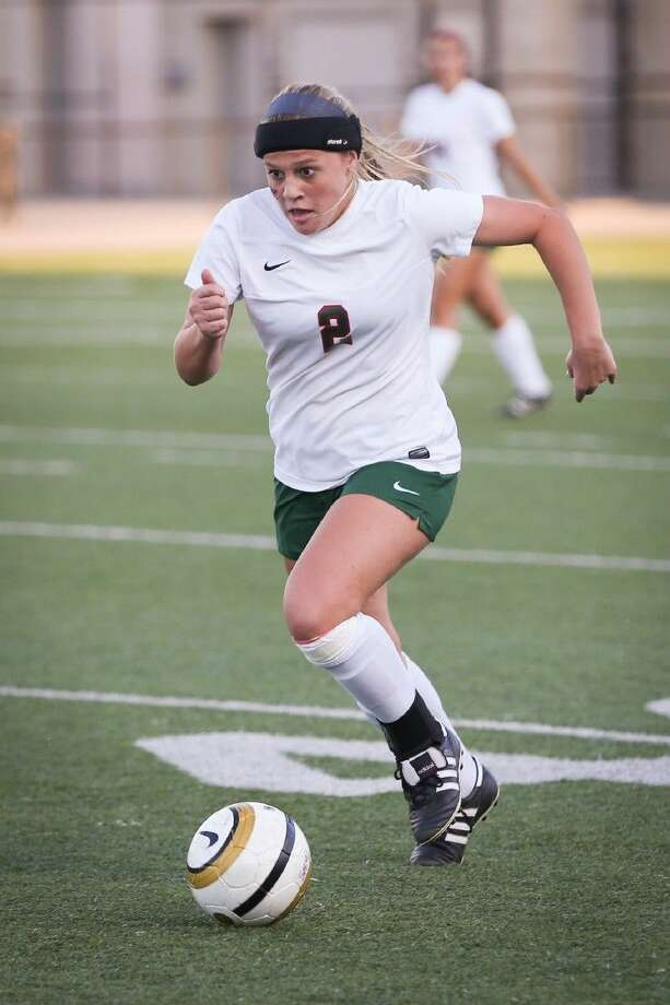 The Woodlands' Kelly Barbalias sprints down the field. Photo: Michael Minasi