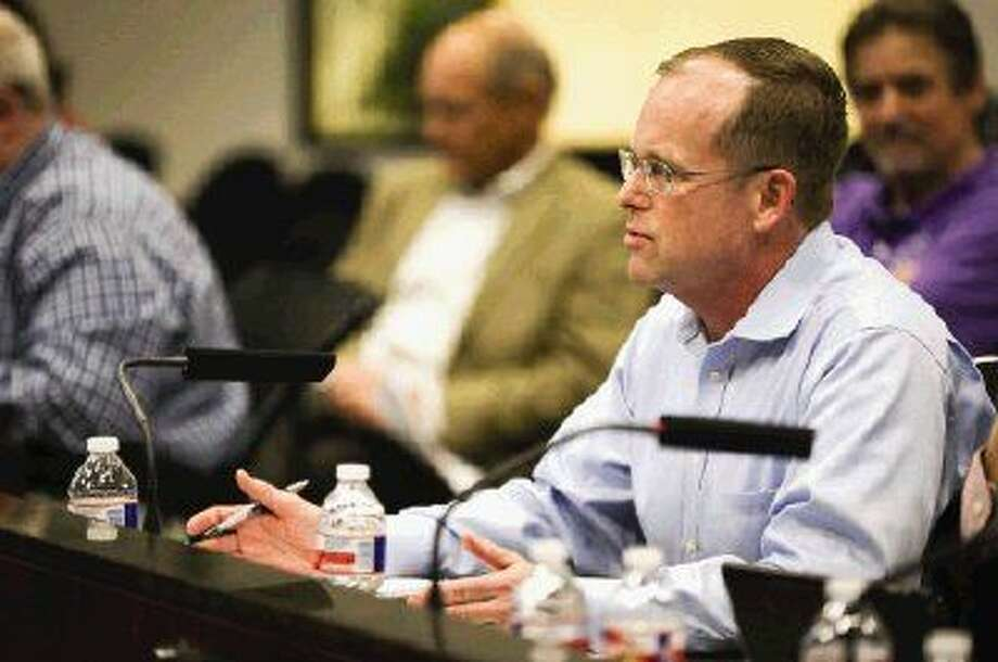 Richard Tramm, Lone Star Groundwater Conservation District board president, spoke to the Conroe City Council about the board's policies and management during a special council meeting Tuesday. Photo: Michael Minasi