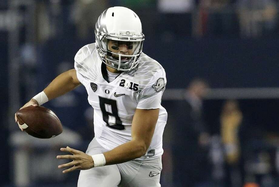 Oregon quarterback Marcus Mariota declared for the NFL Draft on Wednesday.