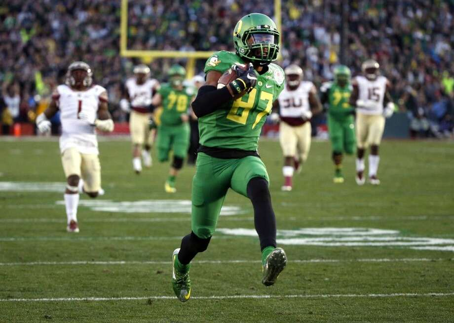 Oregon wide receiver Darren Carrington has been ruled ineligible for the national championship game due to a positive drug test. Photo: Lenny Ignelzi