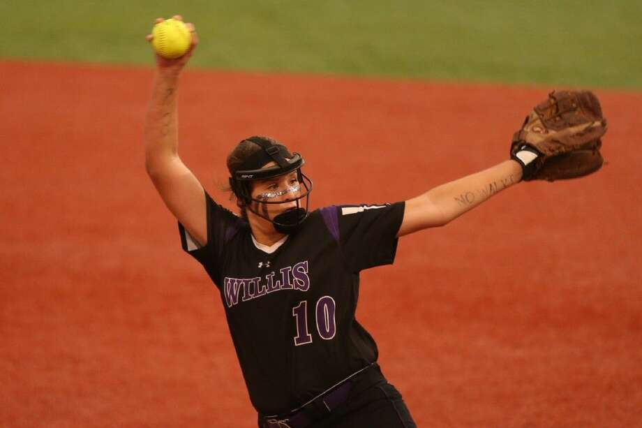 Willis' Casey Dixon pitches against Elgin. The Ladykats won Game 3 of their best-of-three series 6-3 on Friday night. Photo: Michael Minasi